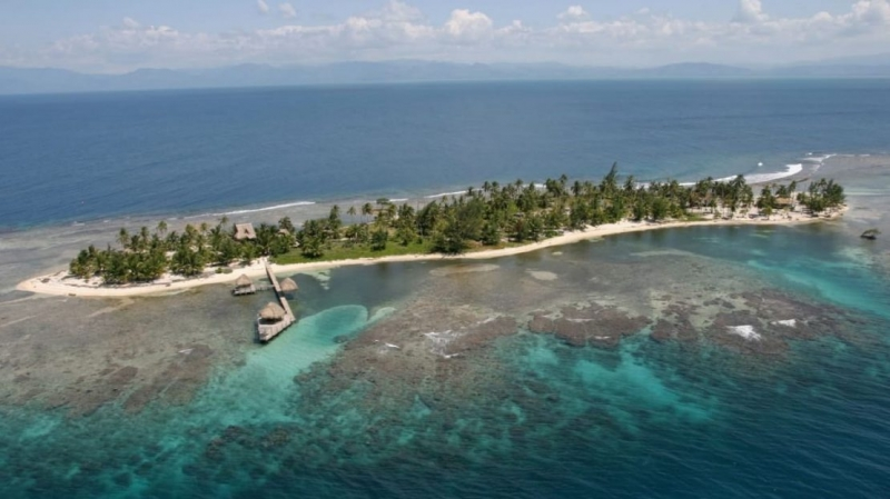 Caribbean Island Paradise with House -  private island in Cayos Cochinos