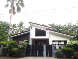 5BR House and Lot in Lipa City