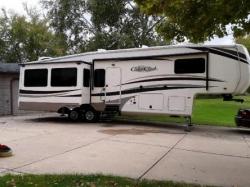 2017 Cedar Creek 5th wheel travel trailer